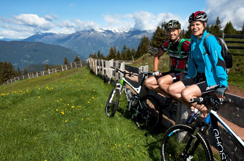 Free time activity cycling in Schenna. Hotel South Tyrol