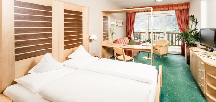 Double room Nord of the Hotel Tyrol in Schenna, Italy