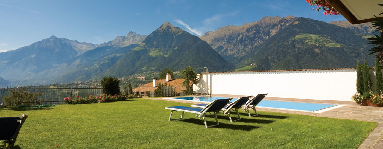 Panoramic view over Schenna, holiday near Merano